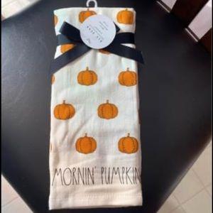 Rae Dunn Mornin pumpkin hand towels